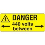 Danger 440 Volts between  - SAV (96 x 38mm, sheet of 15 labels)